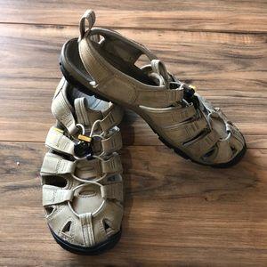 Keen waterproof sandals sz 7 khaki tan